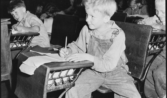 Coal_miner's_child_in_grade_school._Lejunior,_Harlan_County,_Kentucky._-_NARA_-_541367