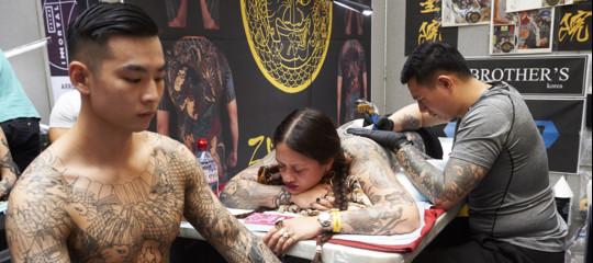 In Europa 60 milioni di tatuati. Quali rischi si corrono e cosa ne pensano i medici